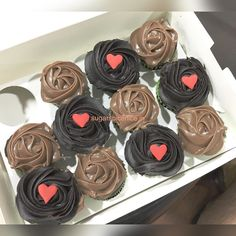 """Who loves cupcakes? I tried them from a new place recently and my experience is up on #zomato. Do give it a read  Direct link in bio #bemycupcake #cupcake #ilovecupcakes #dessert #sugarlove #sugarrush #cupcakes #ilovecupcake #ilovefood #ilovedessert #yummy #chocolate #caramel #dutchtruffle #mumbai #sion #mumbaifoodie #mumbaifoodblogger #instafoodie #instablogger #indianfoodbloggers #indianfoodie #indianfoodblogger #iphone6s #iphone6sphotography by sugarspiceniceindia Follow """"DIY iPhone 6/ 6S…"""