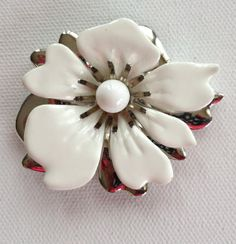 Sarah Coventry white and silver flower by KarelianStAntiques, $18.00