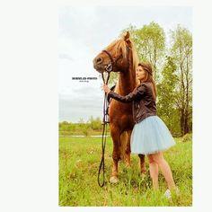 Instagram media by horses_moscow - А эта очаровательная девушка - абсолютная победительница нашего конкурса, который мы проводили на страничке вконтакте😊 ❗️Алина выиграла фотосессию и занятие по верховой езде. 🐴Лошадь - Марсель🐴 #лошадь#прогулка#фотосессия#фотопрект#девушка#можель#выигрышь#акция#horse#smile#selfie#beautiful#beauty#животные#animals#summer#лето#moscow#russia#park#walking#селфи#мот#баста#тимати#природа#nature