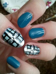 Nail art to match another of my fave shirts.