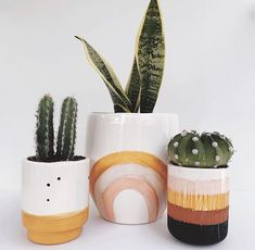 Cheap Home Decor .Cheap Home Decor Cute Dorm Rooms, Cool Rooms, Painted Plant Pots, Painted Flower Pots, D House, Diy Décoration, Home Decor Accessories, Potted Plants, Cheap Home Decor