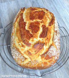 Brot backen kann relativ einfach sein.  Hier habe ich ein lockeres, saftiges Brot für Euch.  Innen ein wohlschmeckender, herrlich weicher T...