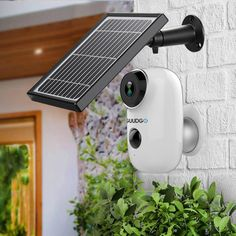 GUUDGO + Solar Panel Wireless Rechargeable Battery-Powered Security Camera for Outdoor Indoor Home Surveillance Wide View Audio Starlight Night Vision PIR Motion Sensor SD Card Wireless Security Camera System, Ip Security Camera, Security Alarm, Home Security Tips, Security Cameras For Home, Carte Sd, Alarm Systems For Home, Home Surveillance, Solar