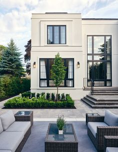 Inside The 2020 Princess Margaret Showhome By Brian Gluckstein - House & Home Classic House Exterior, Classic House Design, Modern Exterior House Designs, Dream House Exterior, Modern House Design, Modern Home Exteriors, Exterior Houses, Modern House Plans, Villa Design