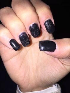 Black nails with glitter!