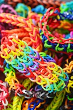 Rainbow Loom - How to's. These  are good with videos!!!