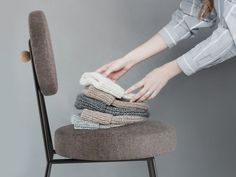 AAGATH krzesło tapicerowane na metalowych nogach polski design Mebloscenka Bassinet, Furniture, Home Decor, Crib, Decoration Home, Room Decor, Home Furnishings, Baby Crib, Home Interior Design
