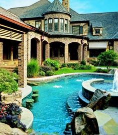 Beautiful house with a lazy river pool