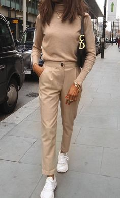 zara outfit 30 - Source by style Zara Outfit, Beige Outfit, Outfit Chic, Neutral Outfit, Beige Pants Outfit, Monochrome Outfit, Brown Outfit, Dress Pants, Nude Outfits