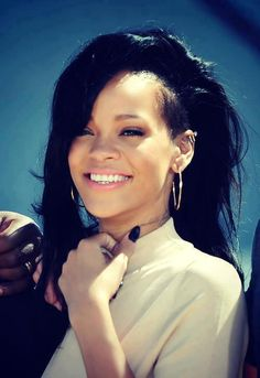 My biggest lesbian crush ever...Rihanna. What a sexy lady.