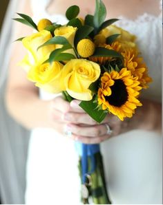 i think i would like other flowers than just sunflowers...not so sure about the yellow roses but just a though