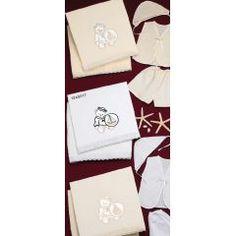 ΑΡΚΟΥΔΑΚΙ - Θέμα Βάπτισης   123-mpomponieres.gr Gift Wrapping, Gifts, Gift Wrapping Paper, Presents, Wrapping Gifts, Gift Packaging, Gifs, Wrapping, Present Wrapping