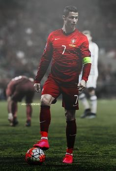 Cristiano Ronaldo, one of the best soccer players ever. He is the current captain of the Portuguese national squad. Cristiano Ronaldo Cr7, Cr7 Messi, Cristino Ronaldo, Ronaldo Football, Neymar Jr, Cristiano Ronaldo Portugal, Football Is Life, Sport Football, Nike Soccer