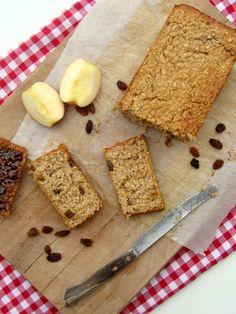 Januari is de maand van sporten, dieëten en afvallen. Tenminste voor heel wat Nederlanders met goede voornemens. Ik heb ze niet; kunnen ze ook niet mislukken. Maar even de balans weer vinden na de feestdagen is zeker geen slecht idee. Als zoete bakker ben ik niet enorm goed in het maken van gezonde recepten. Toch heb ik een poging gedaan… Dessert Blog, Healthy Cookies, Pain, No Bake Cake, Cake Recipes, Good Food, Sweets, Healthy Recipes, Bread