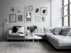 Minimalist living room is completely important for your home. Because in the living room all the events will starts in your lovely home. locatethe elegance and crisp straight Minimalist Living Room Table. investigate more on our site. Modern Minimalist Living Room, Elegant Living Room, Minimalist Home Decor, Living Room Grey, Interior Design Living Room, Living Room Designs, Living Room Decor, Modern Living, Minimalist Kitchen