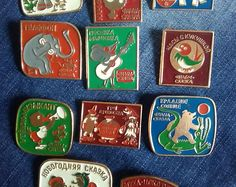 Набор советские значки, значки СССР, старинные значки, сказки, Союзмультфильм, советские мультфильмы, 1980. Набор из 11 штук.