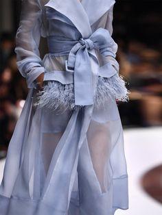 haute couture fashion Archives - Best Fashion Tips Look Fashion, Fashion Details, Runway Fashion, High Fashion, Fashion Show, Womens Fashion, Fashion Design, Fashion Tips, Fashion Trends