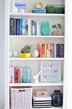 UHeart Organizing: Bookshelf Styling Tips | IHeart Organizing | Bloglovin'