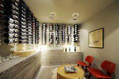 """Come esporre i Vini. Ecco alcune idee per allestire una """"wine room"""""""