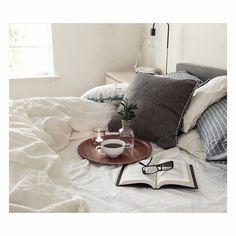 @gypsyandtheraven | Instagram | Bohemian Living | Bedroom | On the bed