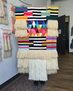 Giant monster is off the loom and off the chain! Tapestry Weaving, Loom Weaving, Hand Weaving, Woven Wall Hanging, Tapestry Wall Hanging, Wall Hangings, Rag Rug Tutorial, Modern Crafts, Yarn Bombing