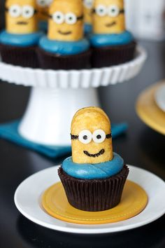 Despicable Me / Minion Cupcakes. They're so cute, how will we ever eat them?