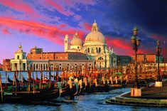 Della Salute a 3000-piece Jigsaw Puzzle by Classic Toys