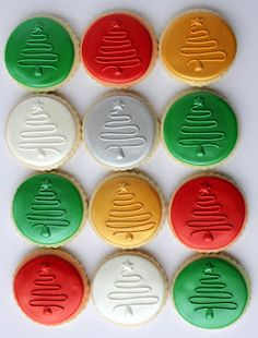 Laura's Custom Cookies Gallery: Oh Christmas Tree....What a great idea....easy, but different and updated and creative.  I will steal this idea!