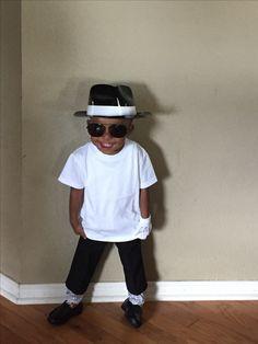 18e2425bb5609 My mini king of pop. Nikki Cullors · Michael Jackson party