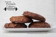 Prot: 9 g, Carbs: 7 g, Fat: 1 g, Cal: 74 -- Quick and easy gluten-free Chocolate Banana Protein Cookies! Made with whey protein, recipe by Andréa's Protein Cake Protein Cookies, Protein Cookie Recipe, Protein Desserts, Protein Cake, Protein Bites, Protein Snacks, Healthy Cookies, Healthy Sweets, Protein Muffins