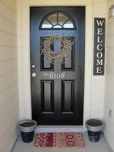 Like the simple welcome sign and wispy berry wreath on door. A place to purchase the vinyl house letters for your door! Piccadilly Peddlers: Vinyl House numbers for your Door Black Front Doors, Front Door Colors, Front Door Decor, Red Doors, Front Door Numbers, Home Decoracion, House Front Door, House Numbers, Vinyl Lettering