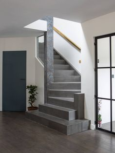 House Front Design, Modern House Design, Modern Interior Design, Home Stairs Design, Home Building Design, Townhouse Exterior, Casa Retro, Tiny Loft, House Design Pictures
