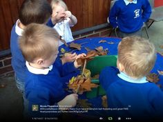 Threading leaves onto sticks! Outdoor Classroom, Outdoor School, New Classroom, Classroom Ideas, Early Years Topics, Early Years Teaching, Motor Skills Activities, Educational Activities, Physical Activities