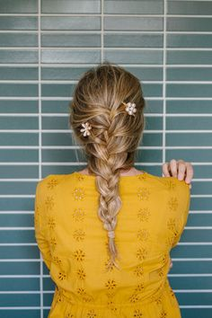 How to French Braid: An Easy Step-by-Step Tutorial for A Relaxed French Braid - The Effortless Chic