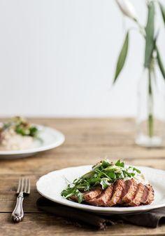 La recette peut faire peur aux gens moins à l'aise en cuisine, mais en suivant bien les étapes, c'est impossible de se planter. Initialement, la purée était de panais mais sachez que vous pourriez faire la même recette avec le légume de votre choix. Top Recipes, Wine Recipes, Healthy Tips, Healthy Recipes, Healthy Dinners, Healthy Food, Cheat Meal, I Love Food, Pot Roast