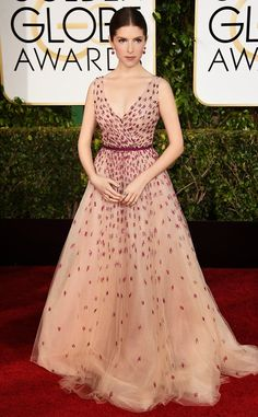 Anna Kendrick - Golden Globes 2015 - in Monique Lhuillier