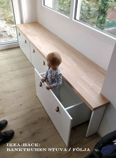 diy hacks wohnung : IKEA Hack: Banktruhen Stuva / Flja als Sitzbank . Bedroom Storage Ideas For Clothes, Bedroom Storage For Small Rooms, Ikea Hack Kids Bedroom, Bedroom Storage Boxes, Ikea Hack Bathroom, Living Room Toy Storage, Living Room Units, Toy Rooms, Kids Rooms