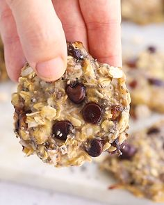 These oatmeal chia cookies are perfect for breakfast or as a healthy snack. The texture is chewy and similar to baked oatmeal. Plus theyre portable and great for meal prep! The post Oatmeal Chia Cookies appeared first on ketorecipes. Healthy Cookies, Healthy Sweets, Healthy Breakfast Recipes, Healthy Baking, Healthy Drinks, Healthy Food, Eating Healthy, Healthy Breakfast Cookies, Simple Healthy Snacks
