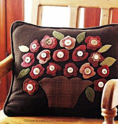 Quilt-Pattern-Wool-Blooms-Pillow-Felted-Foundation-Applique-Texture-Luscious