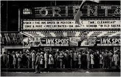 Walker Evans' 1946 photo-essay on Chicago: The Ink-Spots Live In Person Andre Kertesz, Maisie Williams, Walker Evans Photography, James Agee, The Ink Spots, Eugene Smith, Robert Frank, Saint Louis, Stage Show