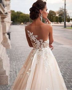 White Wedding Dress Dream Wedding Dresses, Bridal Dresses, Wedding Gowns, Wedding Blog, Wedding Ceremony, Wedding Ideas, Trendy Wedding, Wedding Colors, Wedding Lace