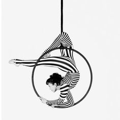 Aerial hoop, my latest hobby. Yet images of the circus have inspired me all my life. Aerial Dance, Aerial Hoop, Aerial Acrobatics, Aerial Arts, Aerial Gymnastics, Pole Dance, Arte Punch, Arial Silk, Aerial Costume