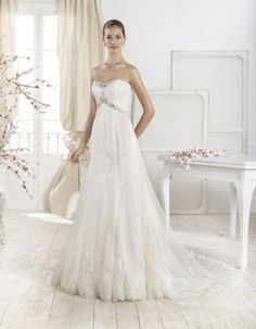 The 2014 bridal collection of Fara Sposa wedding dresses is uber chic. Take a look and happy pinning! Mod Wedding, Purple Wedding, Wedding Stuff, Wedding Dresses 2014, Wedding Gowns, Beautiful Gowns, Bridal Collection, Wedding Engagement, Sleeve Styles