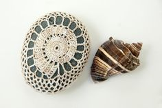 Crochet Pattern, Crochet Lace Stone Cover Pattern, Rock Cozy Pattern, Spiral Shell, Seashell, Beach house decor, Table decor, bowl element on Etsy, 135,14Kč