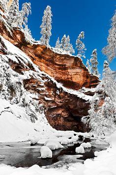 Snowy Red Rock, Oak Creek Canyon Park, Arizona by Jordan Keller on 500px.