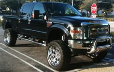 2008 Ford Powerstroke .. In love with this truck! I want one just like it!