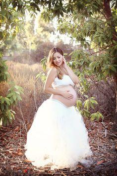 5dcc4d7a0a3ce Extra full Tutu Mama Skirt in ivory Maternity Tutu, Maternity Session, Maternity  Pictures,