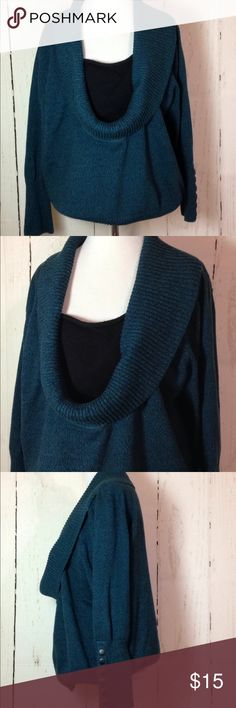 Plus Size Knit cowl neck Sweater Dressbarn 18/20 Plus Size Sweater Dressbarn Tag Size 18/20. Green and Black. Button details on Sleeve. Cowl Neck Top with black built in bust cover Dress Barn Sweaters