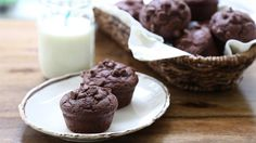 Muffin Recipes - How to Make Chocolate Muffins Muffin Cacao, Chocolates, Pumpkin Chocolate Chip Muffins, Cooking Prime Rib, Baking Party, Cupcakes, Limoncello, How To Make Chocolate, Antipasto