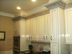 Awesome molding cabinets for your kitchen room decor: custom kitchen cabinets, with black gray Custom Kitchen Cabinets, Kitchen Cabinet Design, Kitchen Cabinet Crown Molding, Office Paint Colors, Light Wood Cabinets, Mold In Bathroom, Raised Panel Doors, Kitchen Hoods, Home Decor Kitchen